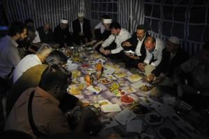 Večeras je na mjestu nekadašnje Aladža-džamije u Foči organizovan iftar i teravih-namaz koji ujedno označavaju i početak njene obnove.
