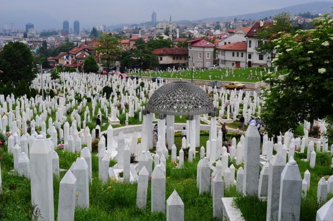 Aliya İzzetbegoviç'in Saraybosna Başçarşı yakınlarındaki kabri…
