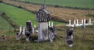 bosnanin-devasa-mezar-taslari