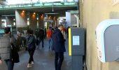 Koronavirüsten korunmak için metrobüs duraklarına yerleştirilen dezenfektan cihazları kırıldı